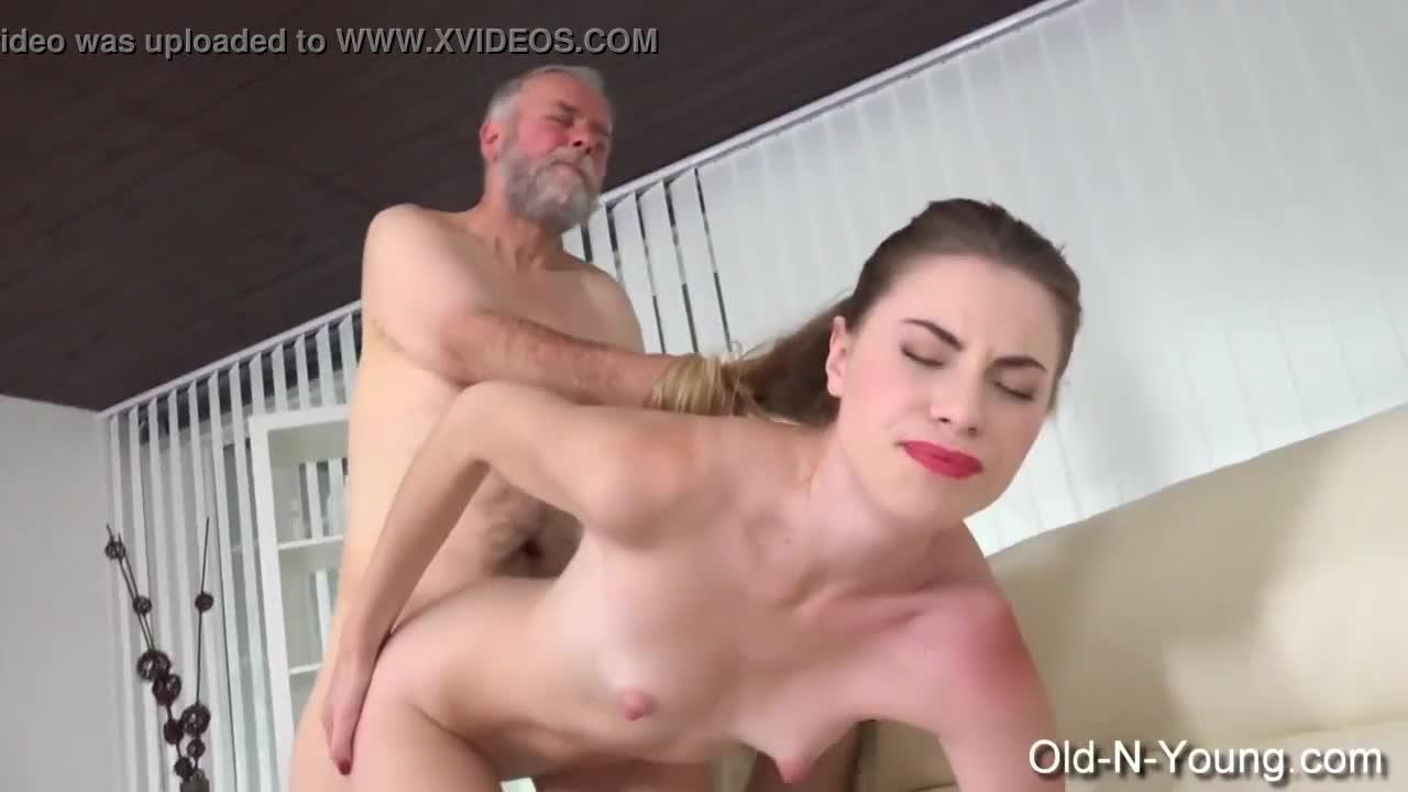 Avos Brasileiros Porn Videos video porno de incesto com avo comendo a netinha - pornogram.xxx