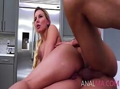 Videos porno esposa peituda fodendo pelo cu na cozinha